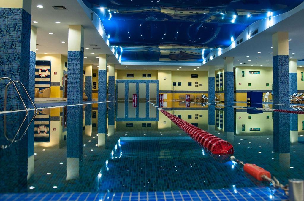 阿斯塔纳丽笙酒店游泳池