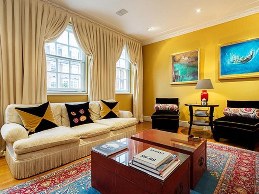 Veeve Great Location 3 Bed Townhouse Regent S Park, 런던 캠던에서 여행하기