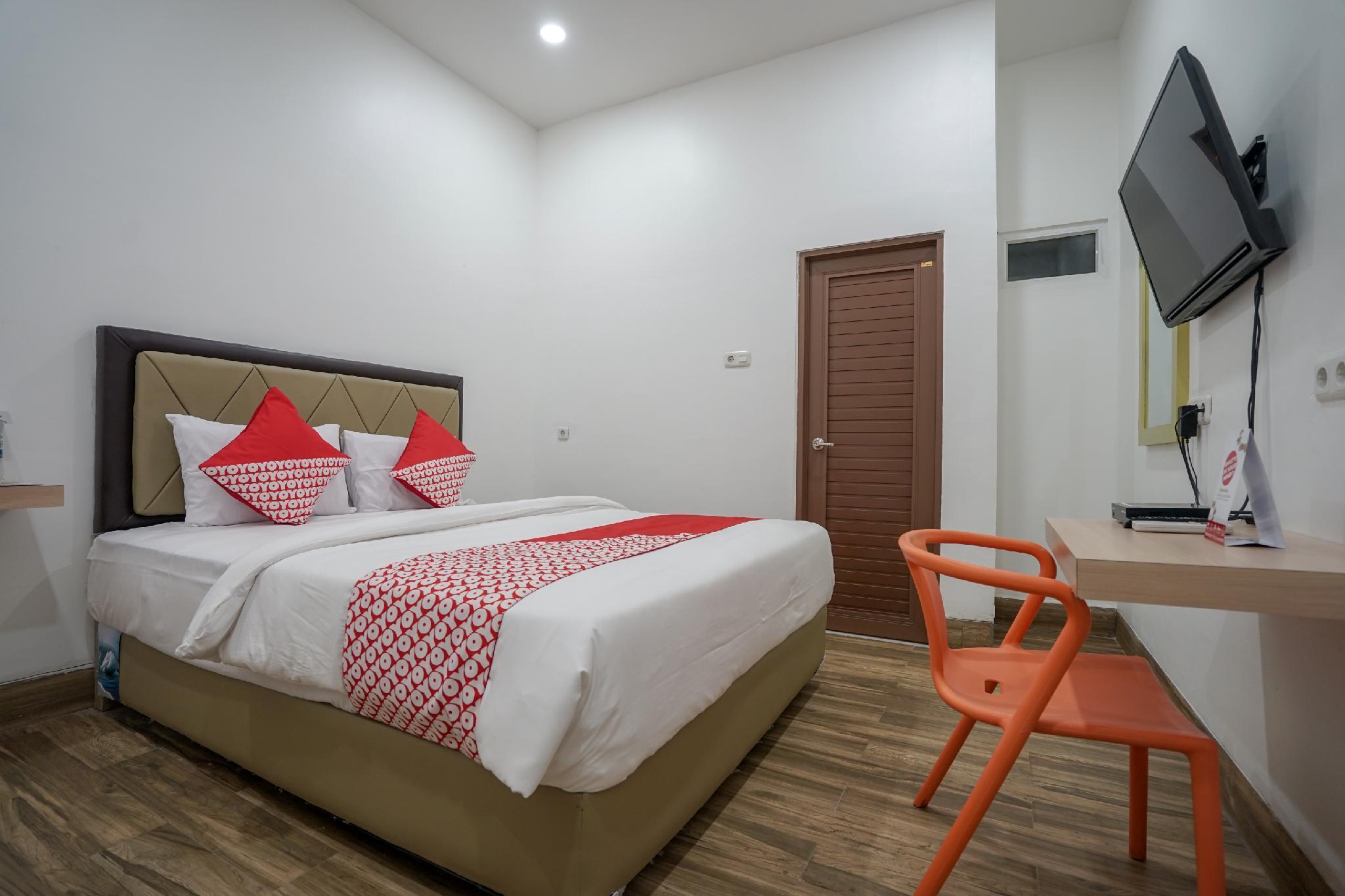 OYO 1270 Residence 8