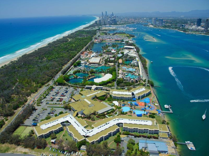 Sea World Resort & Water Park, Main Beach-South Stradbroke