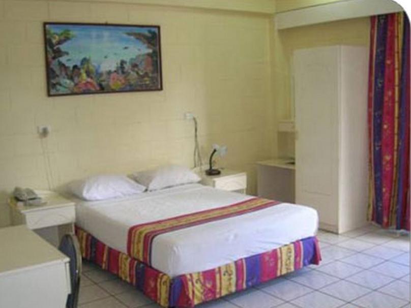 The Grand Melanesian Hotel, Ba