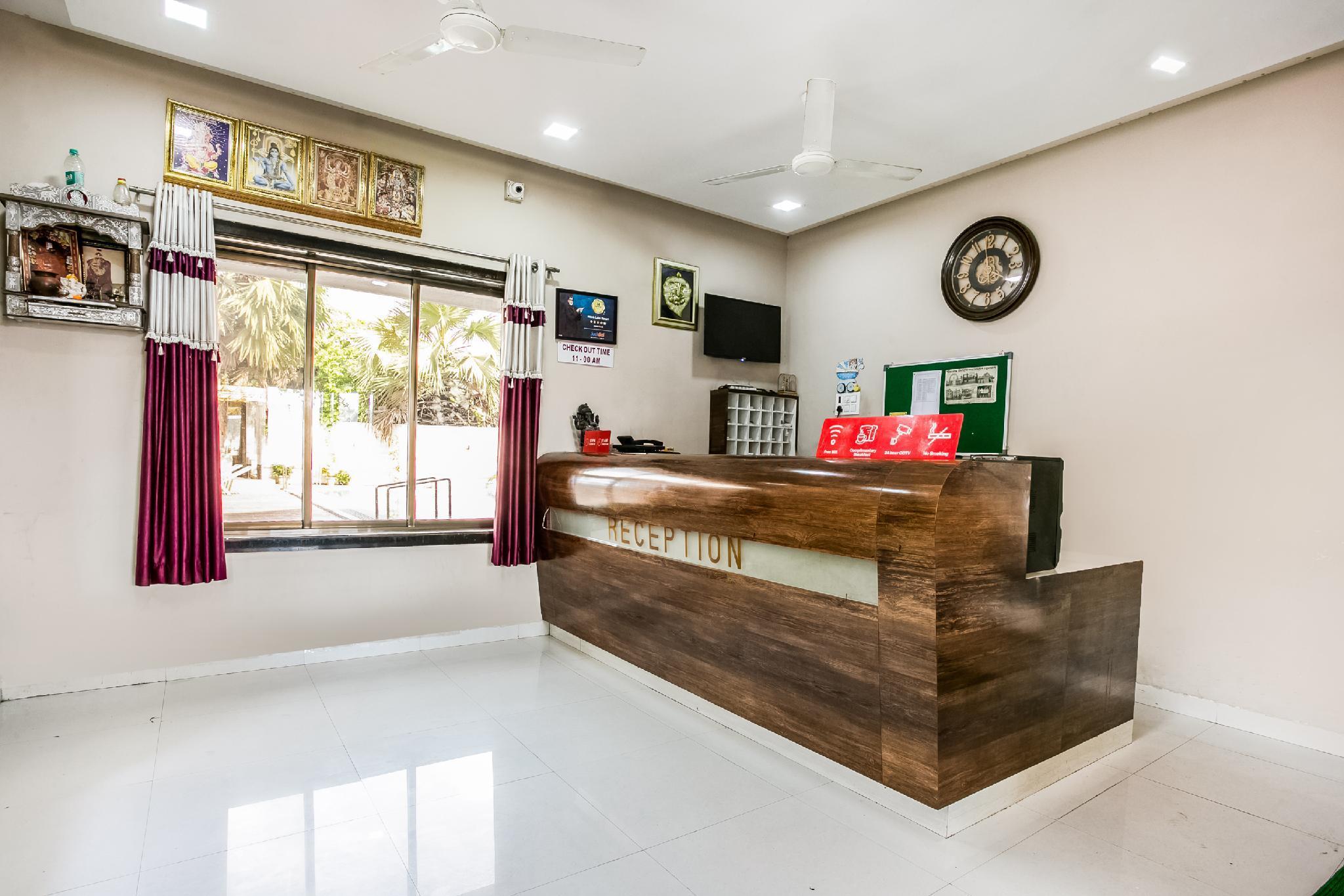 OYO 46305 Hotel Pinnk Lake Resort, Palghar