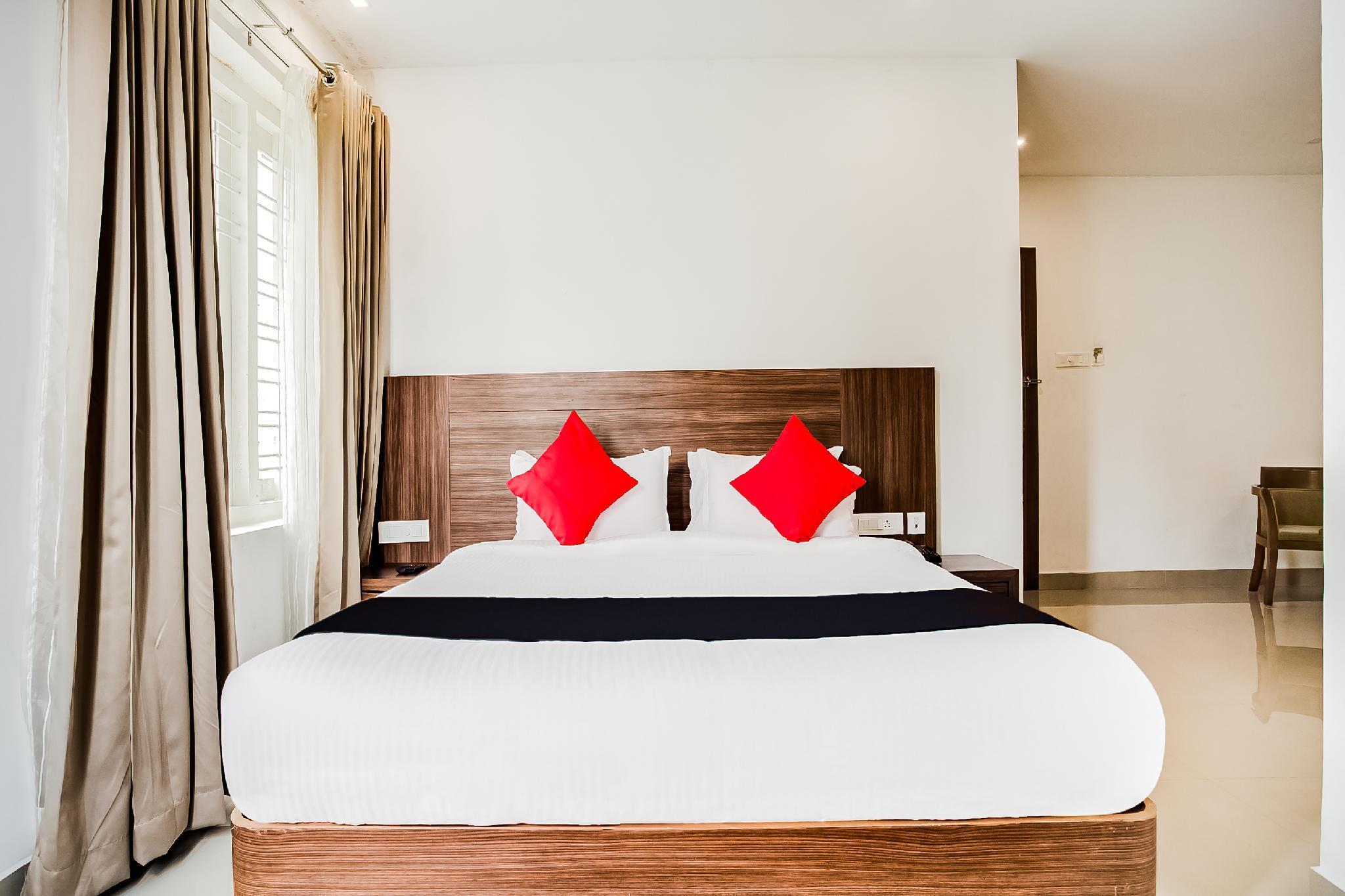 Capital O 60558 Hotel Midhuna International, Kollam