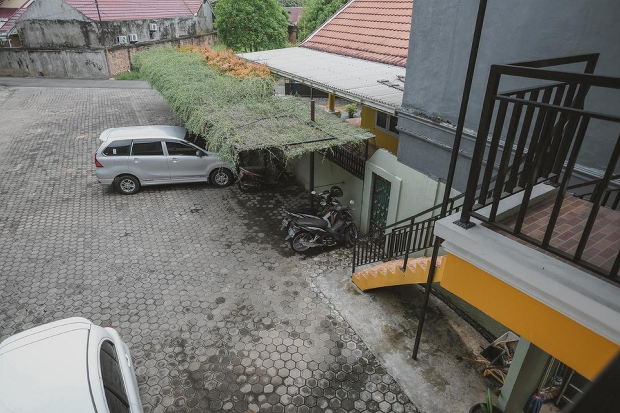 RedDoorz Syariah near Tugu Juang Jambi 2