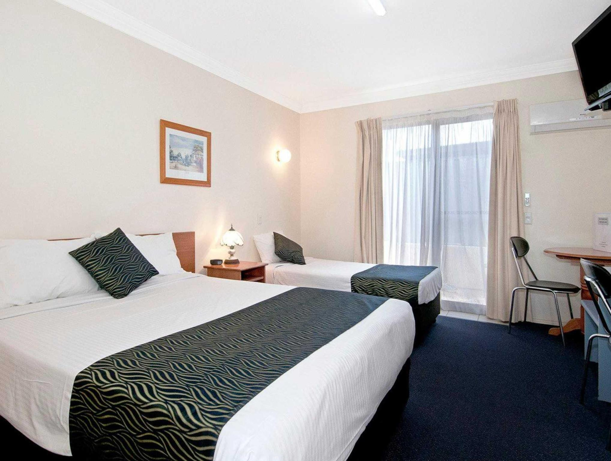 Econo Lodge Waterford, Waterford West