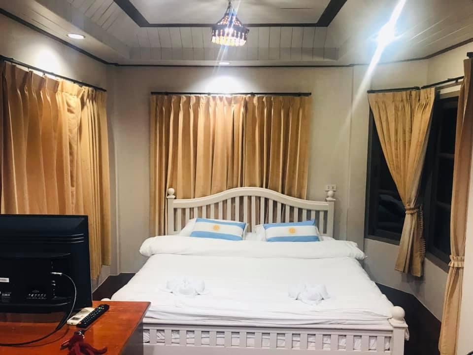 Maiyai Resort - Big Tree, Mueang Kamphaeng Phet