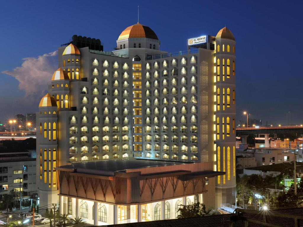 Best price on al meroz hotel bangkok the leading halal for Hotel bangkok