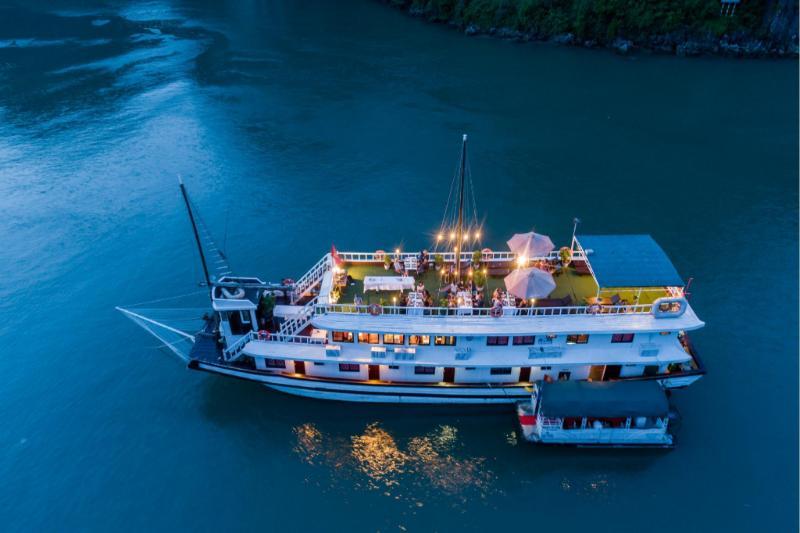Swan Cruises Hạ Long