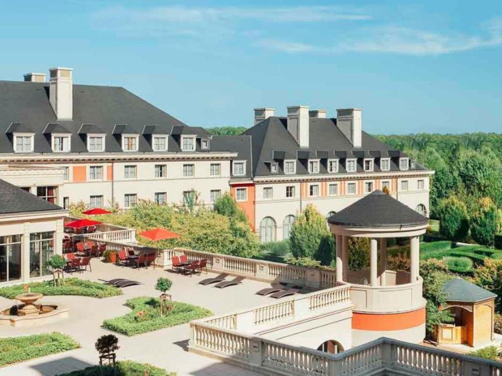 Best Price On Vienna House Dream Castle Paris In Paris