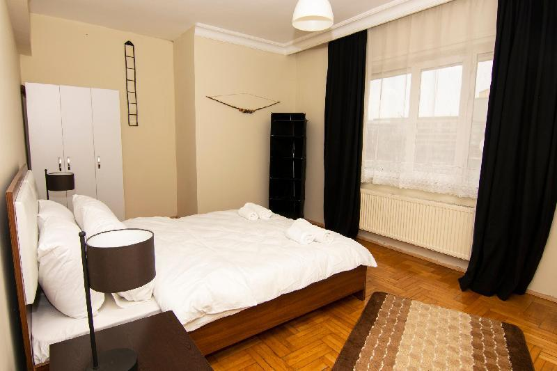ATLANTIS  Huge Apartment - 5 min to SAW Airport in Istanbul