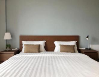 Brown Room Rail Suite KK Aeropod