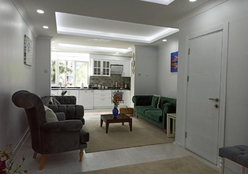 Two Bedroom Nature House with Garden in Kadikoy in Istanbul