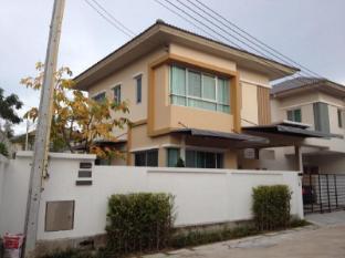 House at Si Racha - Chonburi