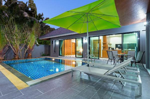 Design Private Pool Villa, 3 bedrooms, Naiharn Phuket