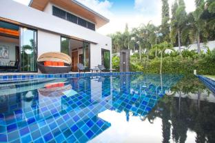 4 BDR Mountain View Pool Villa in Gated Community - Phuket