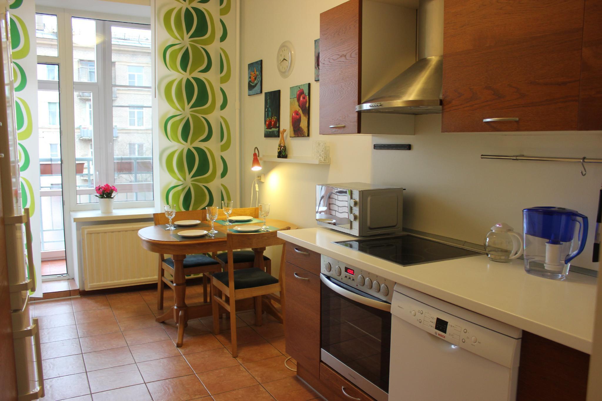 Apartment on Nogina 4