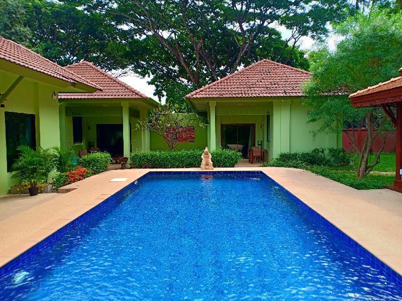 The Villa Vanali One Bedroom Pool Front (sleeps 3)