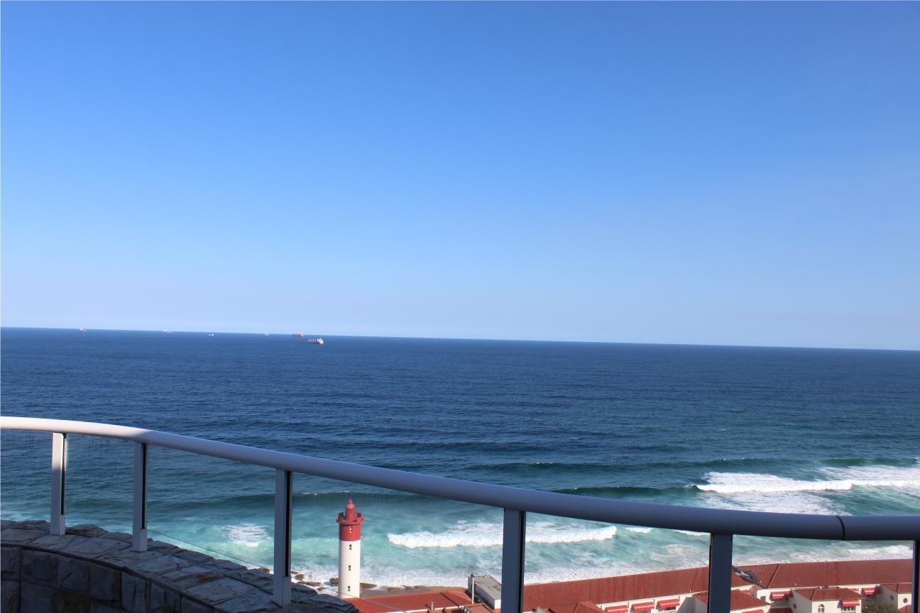 Beautiful Penthouse with spectacular seaviews