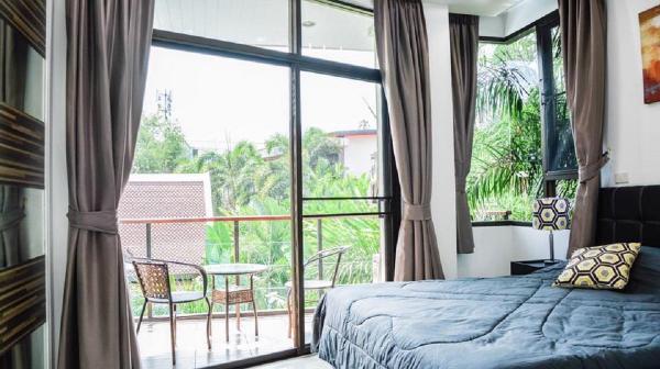 Naiharn condominium Phuket