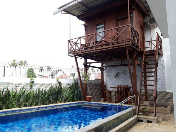 holiday home with private swimming pool Lombok