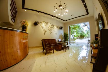 Nhà mặt đất 300 m² 1 phòng ngủ, 3 phòng tắm riêng ở Tran Phu