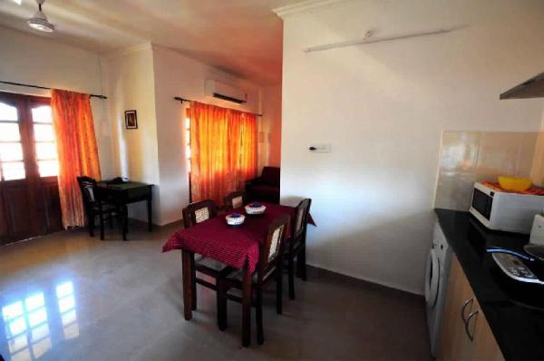 Cozy Candolim Apartment close to the beach Goa