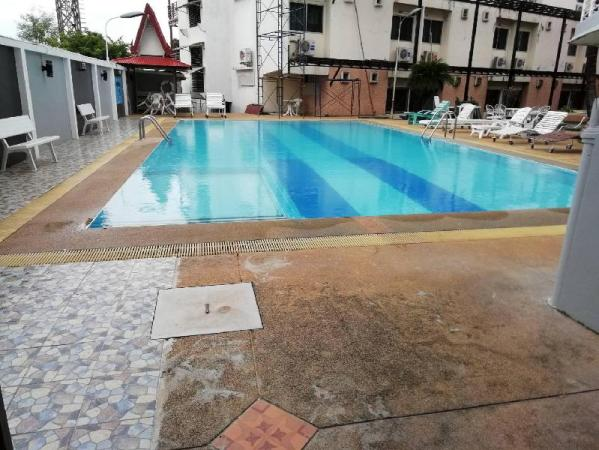 fun place with swimming pool in old city Chiang Mai