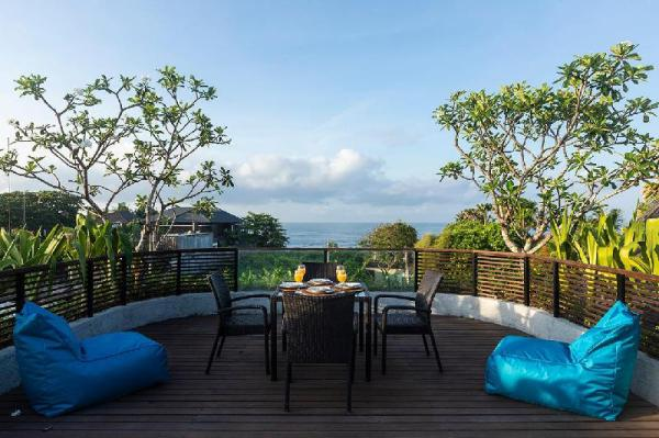 Luxury Villa with Rooftop faces sea & rice field Bali
