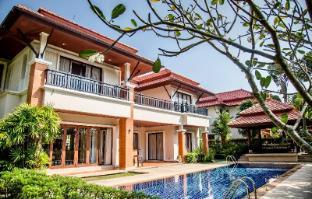 Lovely 4 Bedroom Home within Laguna Estate - Phuket
