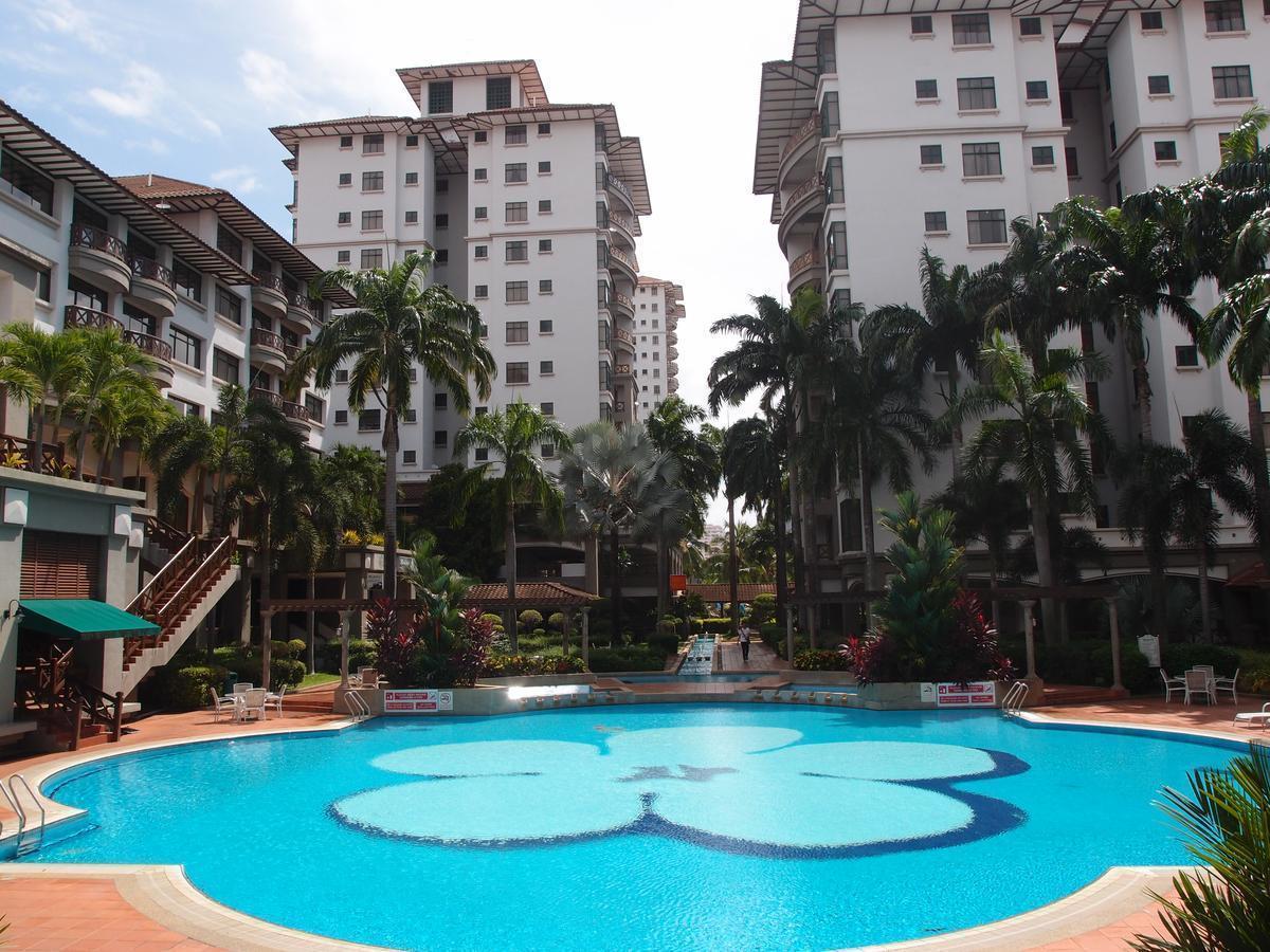 Homestay Malacca @ Mahkota (pool view)