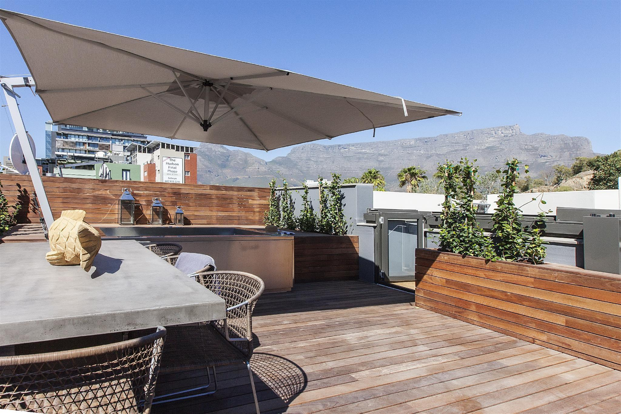 Serviced house de Waterkant with hot tub