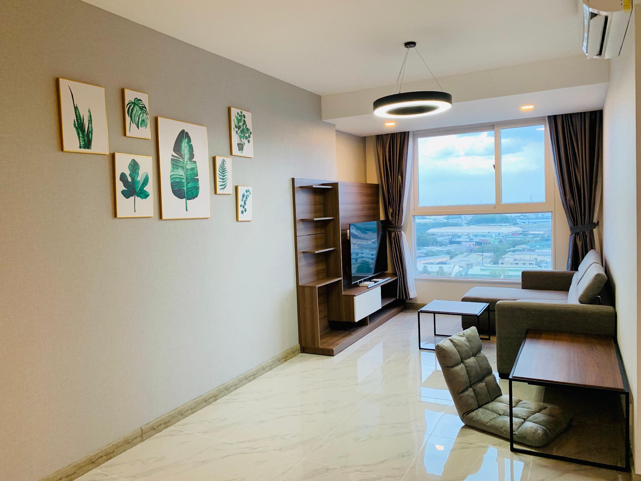 Luxury 2 bedroom Beautiful Apartment Top Floor