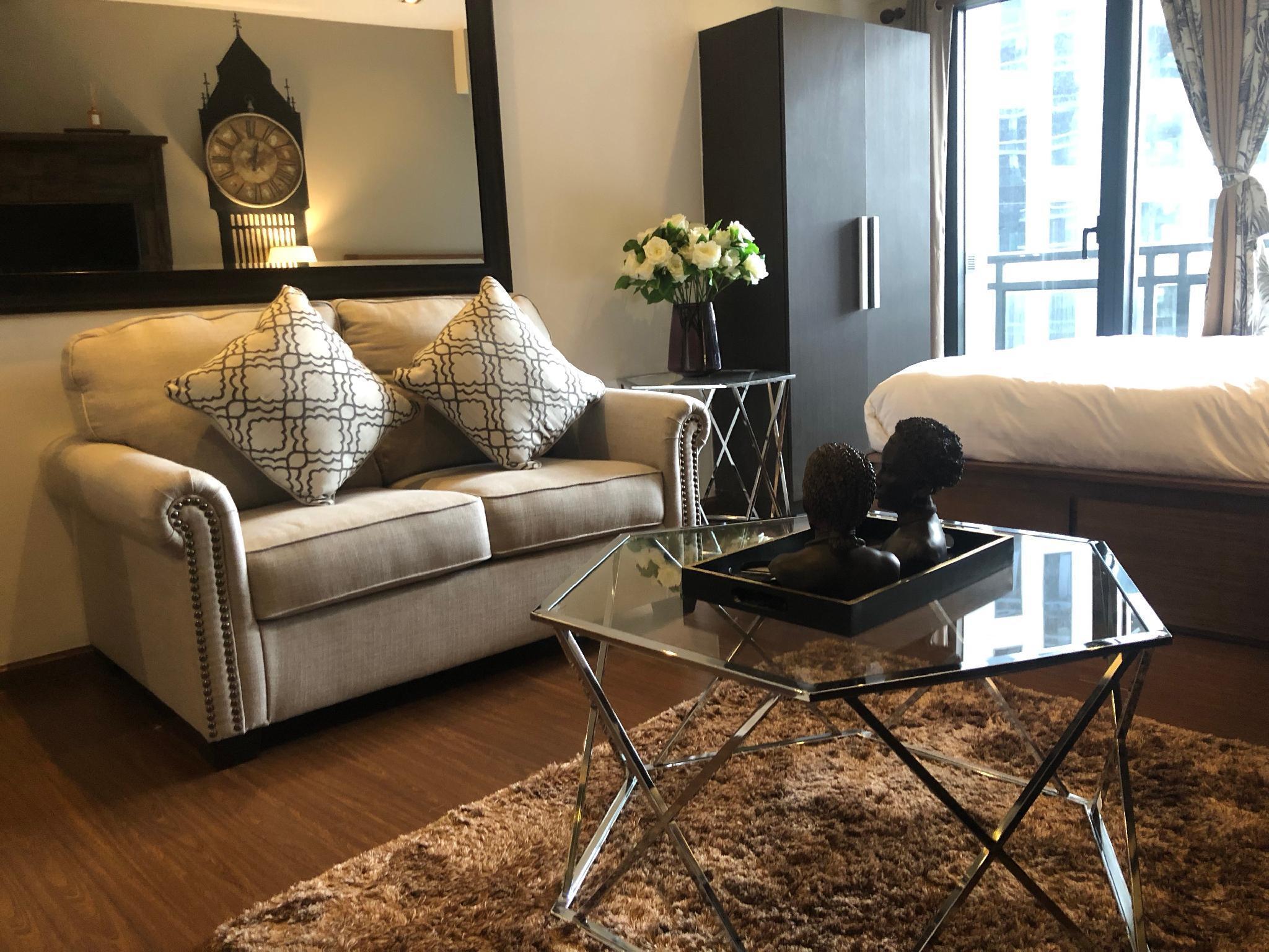 LuxuryStay AffordablePay @Knightsbridge Residences