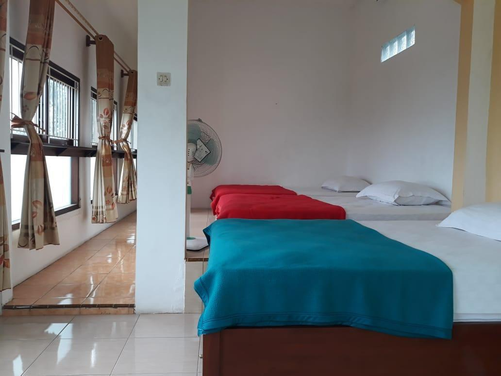 Triple Room, 33 mins from Banyuwangi Airport