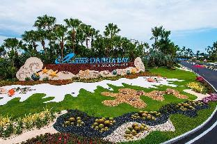 Family gathering, pool view, peacefull, Johor Bahru