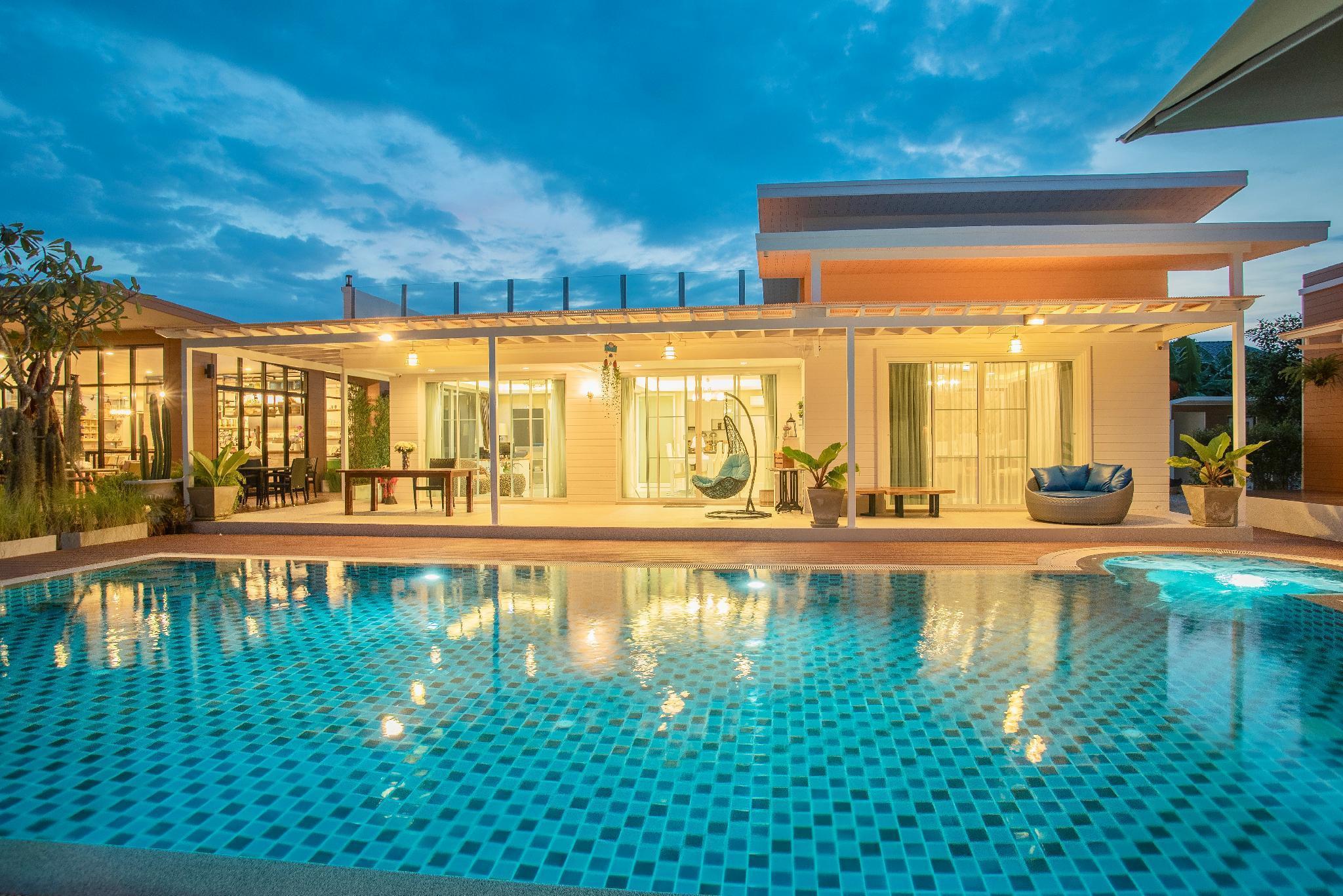 Private Luxury Pool Villa (9 BR) Netflix/Apple tv