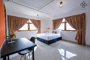Glex Homes (Glass Room Near New World Hotel), Kuala Lumpur
