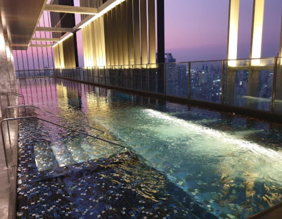Sky pool& Cozy rooom, BTS PhromPhong, Sukhumvit
