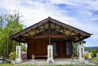 The Hawk's Nest Resort Bungalow With Sea View, Sabang