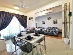 PinaHomies 2 Bedroom Suite 2 @ Tropicana 218