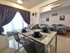 Exquisite 2 Bedroom CityView Suite 2@Tropicana 218