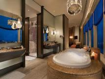 MGM Macau: bathroom