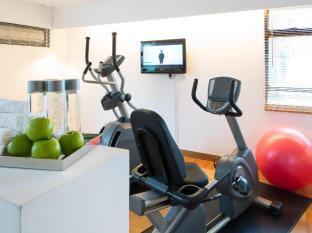 J Plus Hotel by YOO Hong Kong - Top Floor Fitness Area