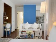 J Plus Hotel by YOO: guest room