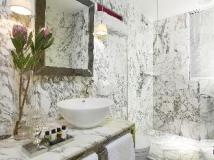 J Plus Hotel by YOO: bathroom