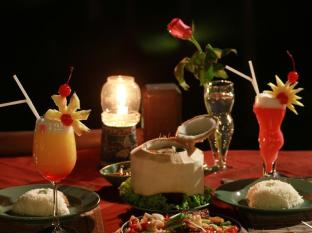Ban Raya Resort and Spa Phuket - Food and Beverages