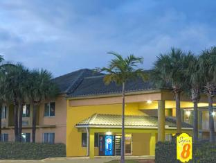 Super 8 Fort Lauderdale Airport Hotel