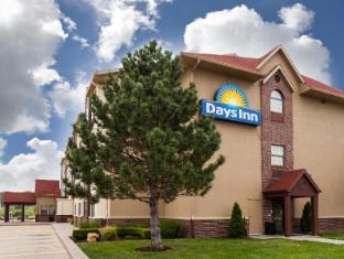 Days Inn - Kansas Speedway Hotel