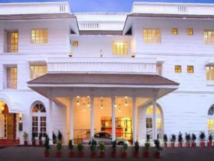 /hotel-luciya-palace/hotel/thrissur-in.html?asq=jGXBHFvRg5Z51Emf%2fbXG4w%3d%3d