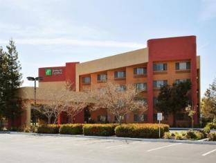 /holiday-inn-express-hotel-union-city/hotel/union-city-ca-us.html?asq=jGXBHFvRg5Z51Emf%2fbXG4w%3d%3d